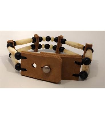 Bracelet en os et perles