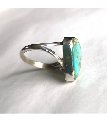 Bague triangle et sa turquoise